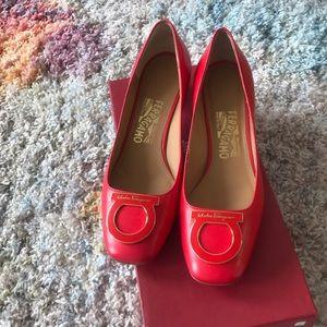 100% authentic Salvatore Ferragamo shoes 👠